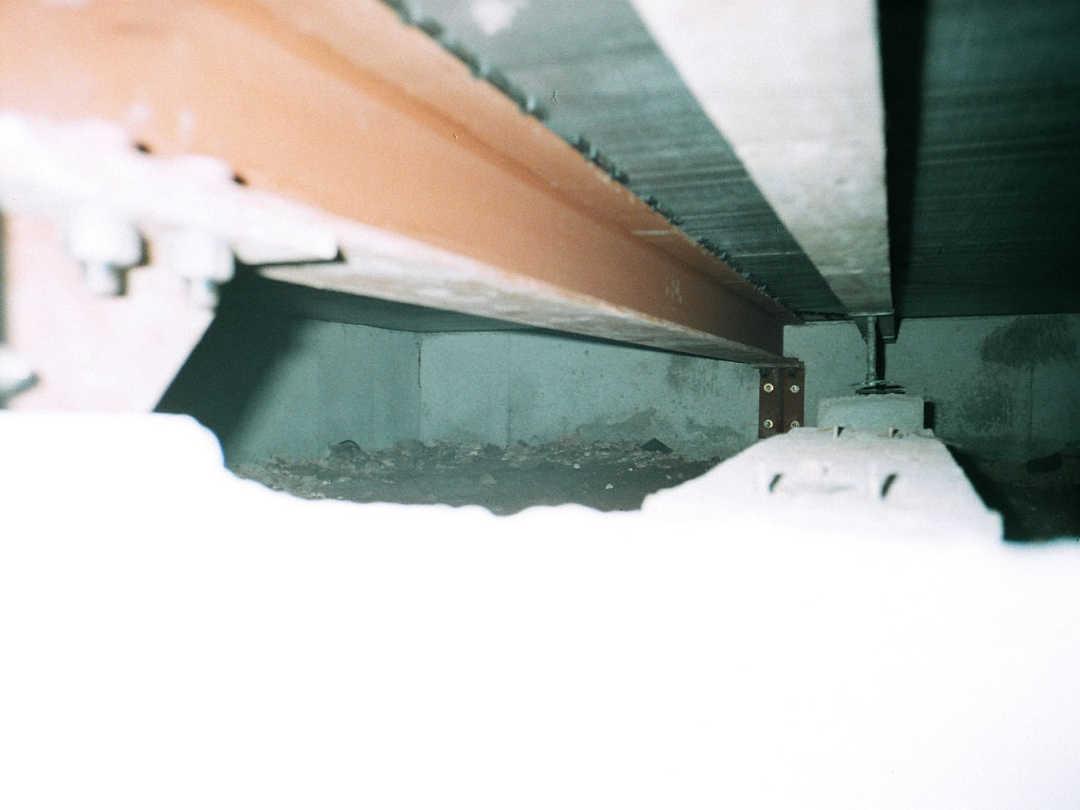 床下鋼材補強写真